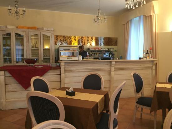 Caroline Hotel Brusimpiano: frühstücksraum