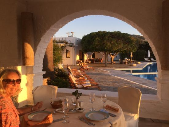 Yria Island Boutique Hotel & Spa: Sunset in the restaurant