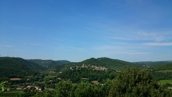 Saint-Thome, France : Vue depuis la terrasse (saint Thomé)