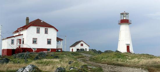 Quirpon Island, Canada: Main house and lighthouse