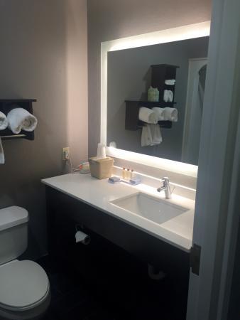 Hawthorn Suites by Wyndham Columbus West: photo1.jpg
