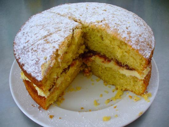Belotti's Delicatessen & Coffee House: Mark's homemade sponge