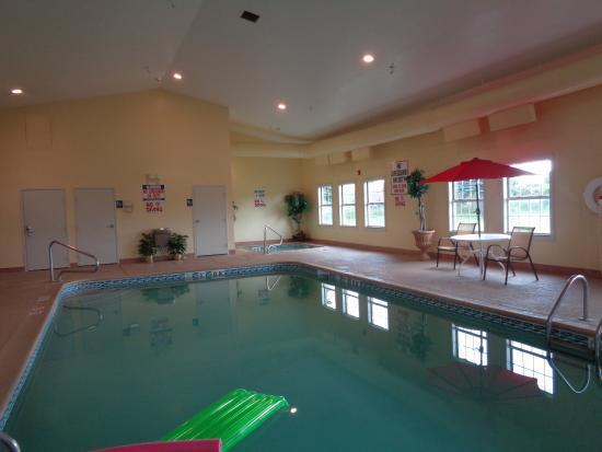 Holiday Inn Express Benton Harbor: Nice Clean Pool Area