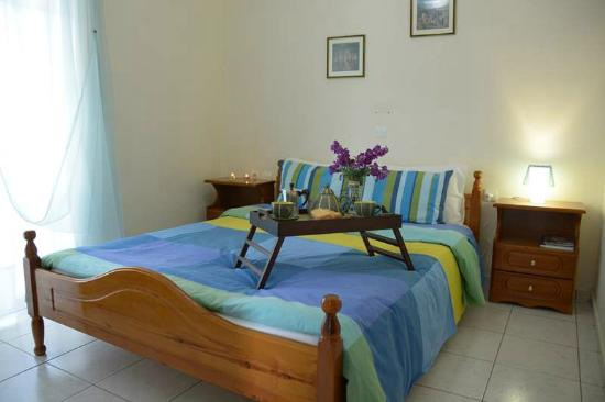 Troumpas Family Rooms and Apartments