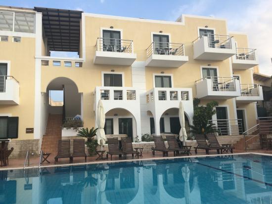 Ela Mesa Luxury Apartments Photo