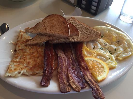Smoke Jumper Cafe: 2 egg breakfast!