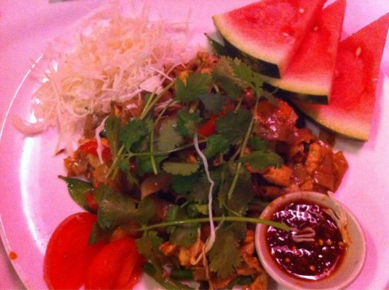 Thai Spice Restaurant: The curry dish was lovely with little rice pot and coconut bowl. Thai pancake was like Chinese o