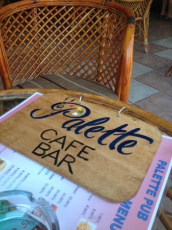 Palette Cafe & Bar