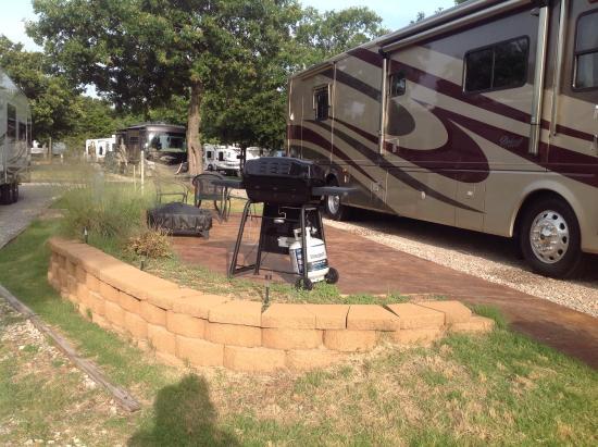 Oklahoma City East KOA : Patio sites with BBQ