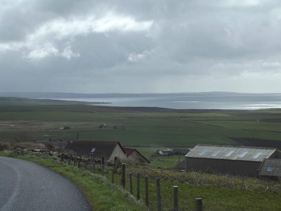 Scapa Flow Lodges: Looking over the Lodges from the hill just behind