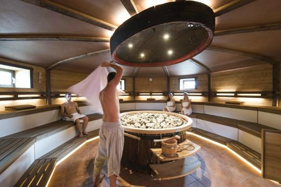 Campi Bisenzio, Italia: ASMANA Wellness World Firenze - Wine Sauna