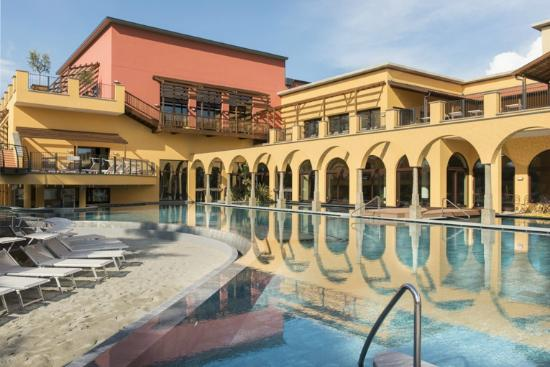 Campi Bisenzio, Italia: ASMANA Wellness World Firenze - Main Pool