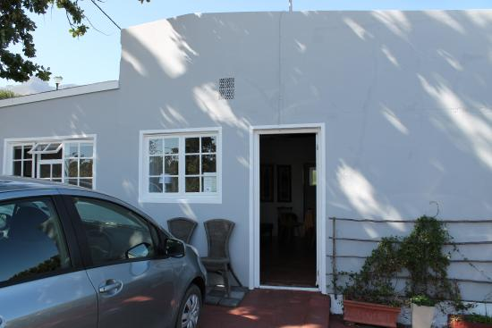 Impangele B and B & Self Catering Cottage: Esterno del cottage