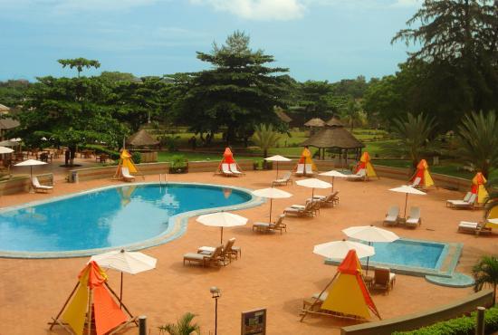 Golden Tulip Festac Lagos: Pool view