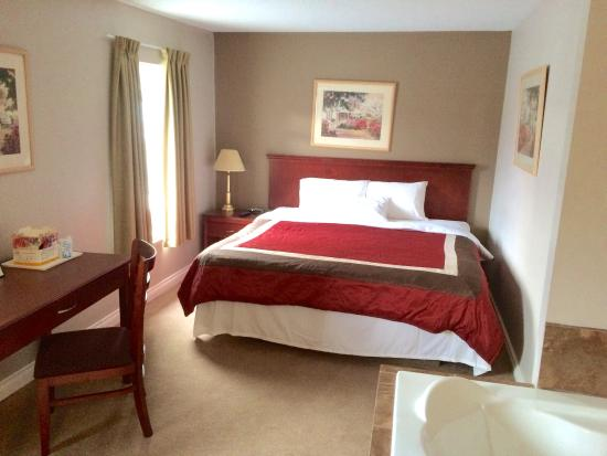 Knights Inn Barriere: Executive suite