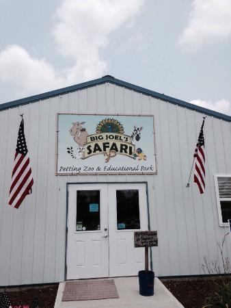 Wright City, MO: Big Joel's Safari