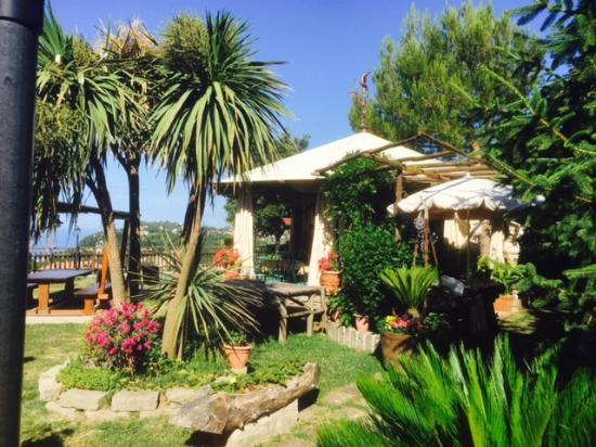 Agriturismo La Baita: Outdoor Dining Gazebo