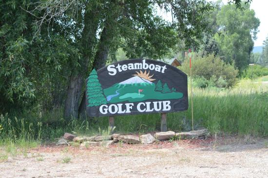 The Steamboat Golf Club : Sign at main entrance