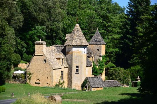 Château de Lacypierre : Ecrin de verdure
