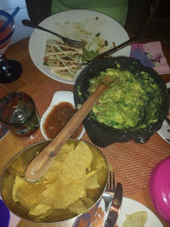 Rosa Mexicano - Atlanta: Great guacamole and cheeses quesadilla