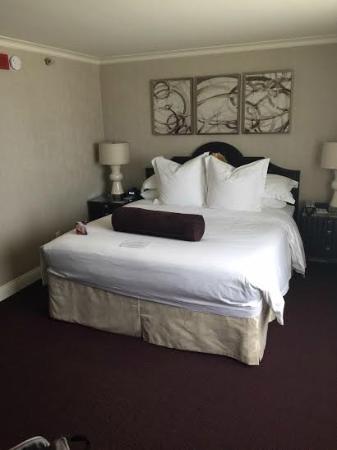 Crowne Plaza Los Angeles - Commerce Casino: Room
