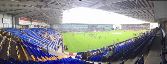 ‪Halliwell Jones Stadium‬