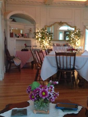 Maple House Inn Bed and Breakfast 사진