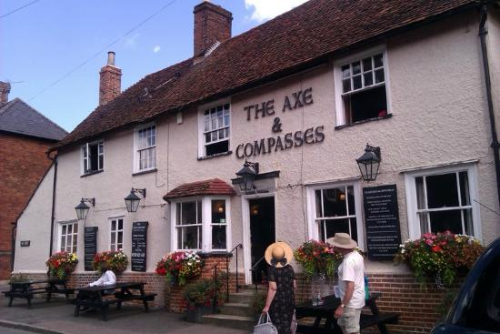 The Axe and Compasses: Sunday sunlight at the Axe