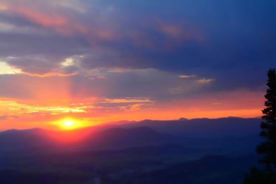 Mount Werner: Beautiful sunset