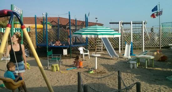 Bambini picture of bagno carlo marina di pietrasanta tripadvisor - Bagno italia marina di pietrasanta ...