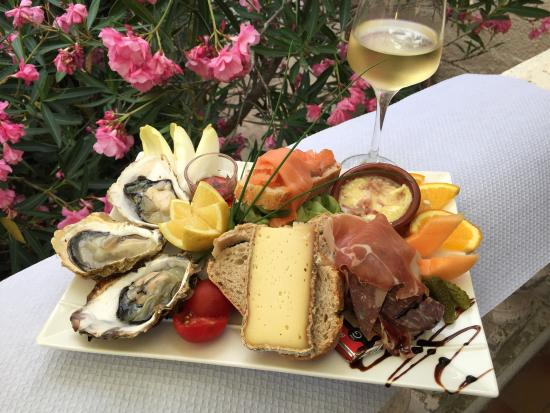 Roquebrun, ฝรั่งเศส: Assiette terre et mer
