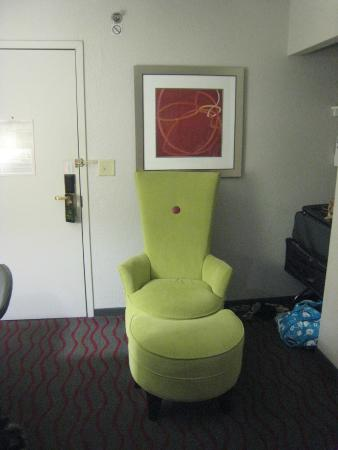 Holiday Inn Aladdin: The chair