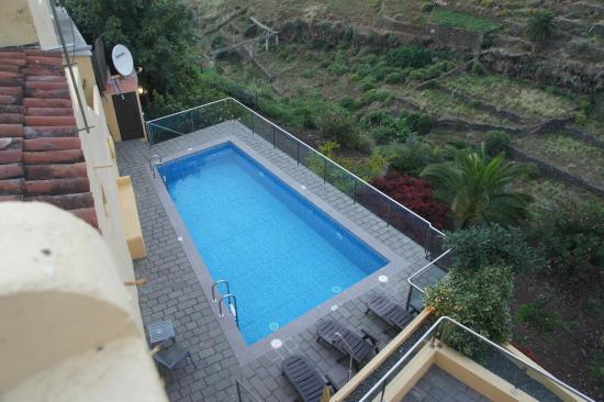 aussicht vom balkon pool picture of hotel rural bentor. Black Bedroom Furniture Sets. Home Design Ideas