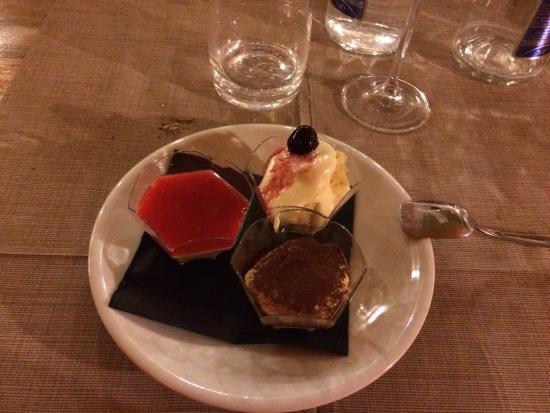 Li Espi: Tris di dolci per concludere un'ottima cena