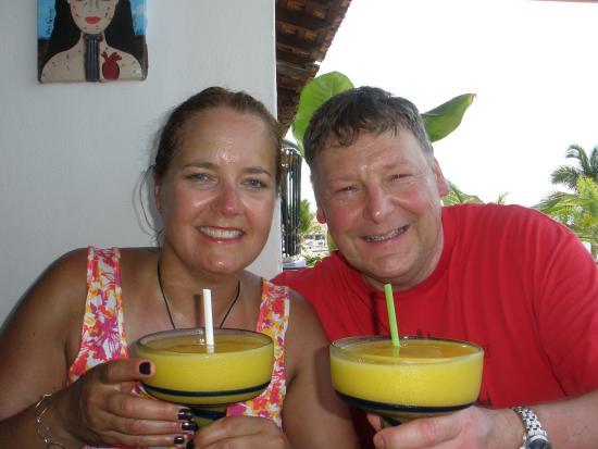 Bar Oceano Rock & Roll: Delicous Mango Margaritas