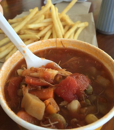 Bayside Inn Restaurant: Maryland Crab Soup........Excellent!!!!