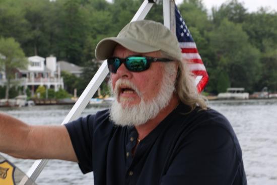 Lake Harmony Cruises : Captain Wolf
