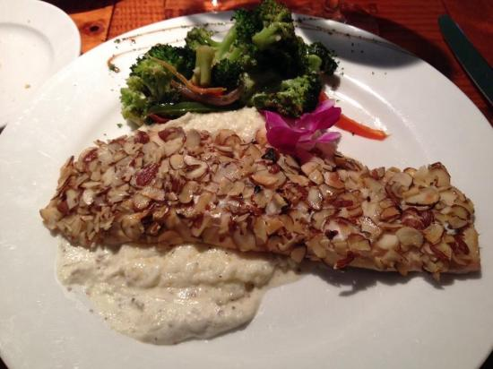 Dusty's Cellar: Almond Crusted Great Lakes Whitefish