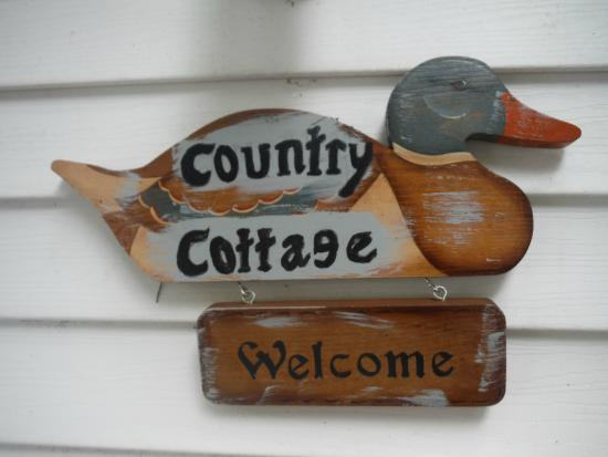 Lawrence, MI: The Country Cottage