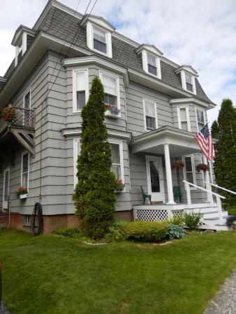 Bayside Inn Bed and Breakfast: front view