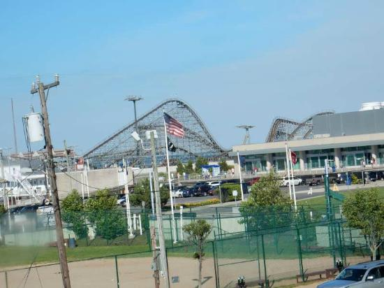 Days Inn & Suites Wildwood: The Freat White from our bedroom.  It's one of the best seaside coasters around.