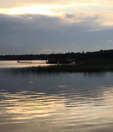Cedarville, ميتشجان: Sunset from the dock
