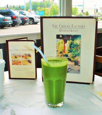 The Cheeze Factory Restaurant: Great Green Smoothie