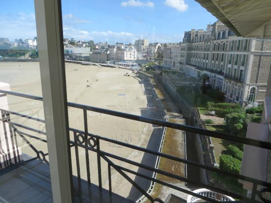 Hotel Villa Reine Hortense: Plage de l'ecluse