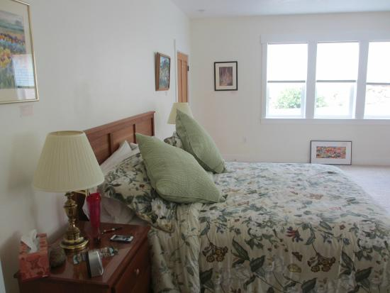 McKenzie Orchards Bed and Breakfast Inn : Paradise Bedroom