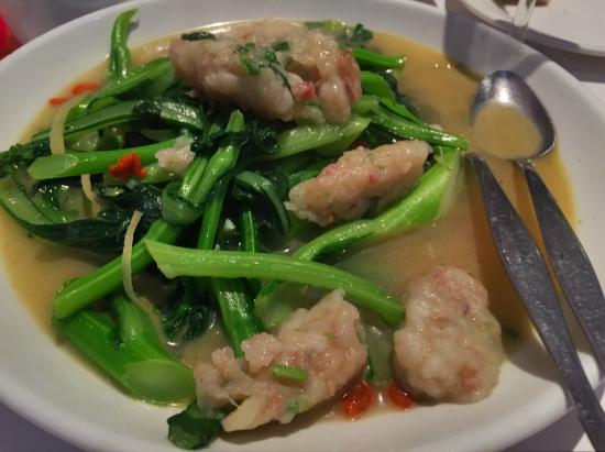 Mulgrave, Australia: Home Made Minced Fish Paste with Vegetable in Fish Soup - several pieces eaten before taking pho