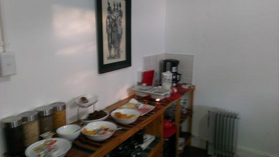 Impangele B and B & Self Catering Cottage : Меню завтрака