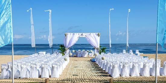 Prama Sanur Beach Bali: Beach Wedding