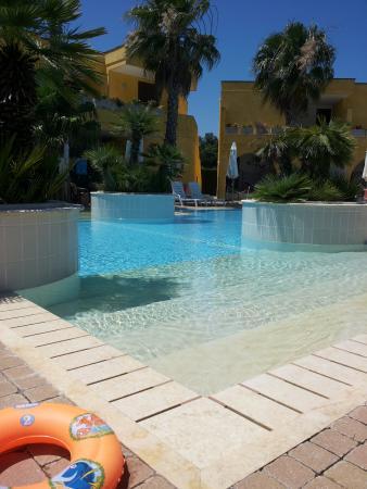 Costa d'Oriente Residence Club: piscina