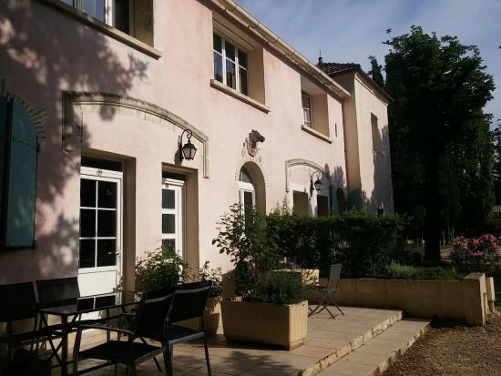 Villa la Castellane : appart hotel